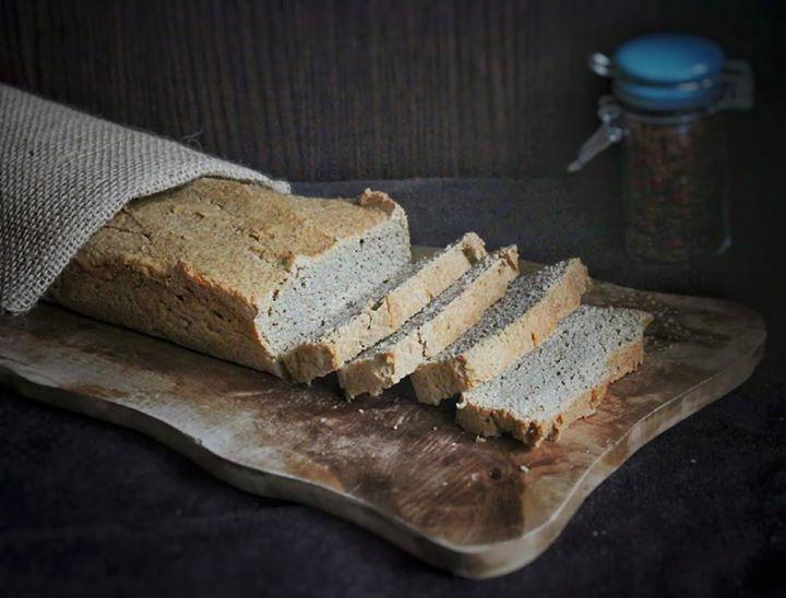Chleb bezglutenowy (bez drożdży, paleo, keto)