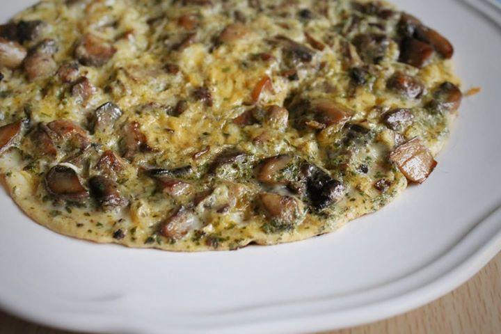 Jagalany omlet z pieczarkami