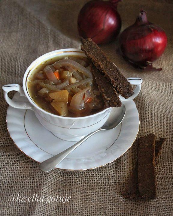 Dietetyczna zupa cebulowa