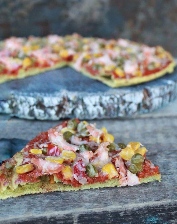 Pizza na spodzie z soczewicy