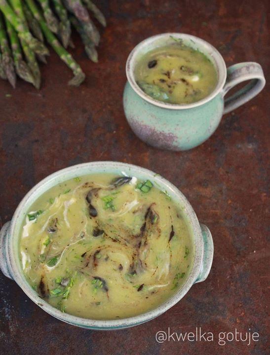 Szparagowo-czosnkowa zupa krem