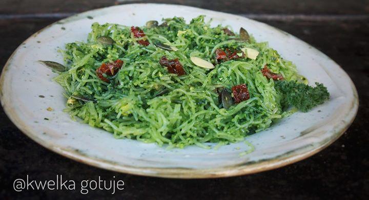 Zielony makaron ryżowy