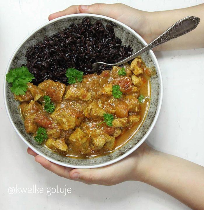 Pikantne curry z indyka