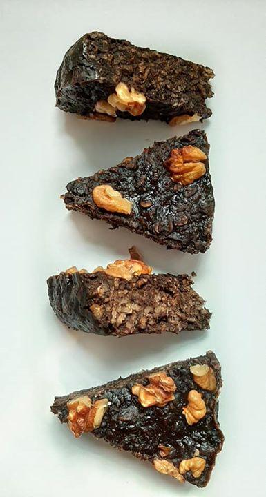 Owsiany placek kakaowy