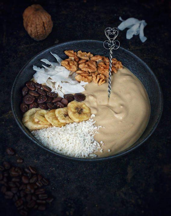 Ten tydzień zaczynamy na słodko 😊Jogurtowo-kawowe bowl