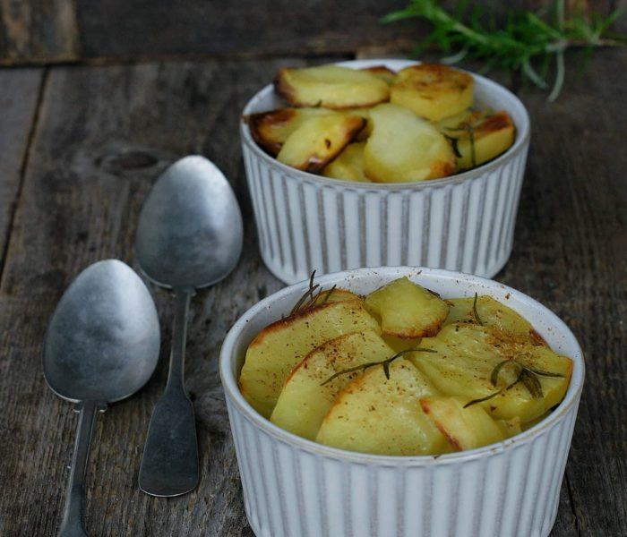 Mielona wołowina z plasterkami ziemniaków