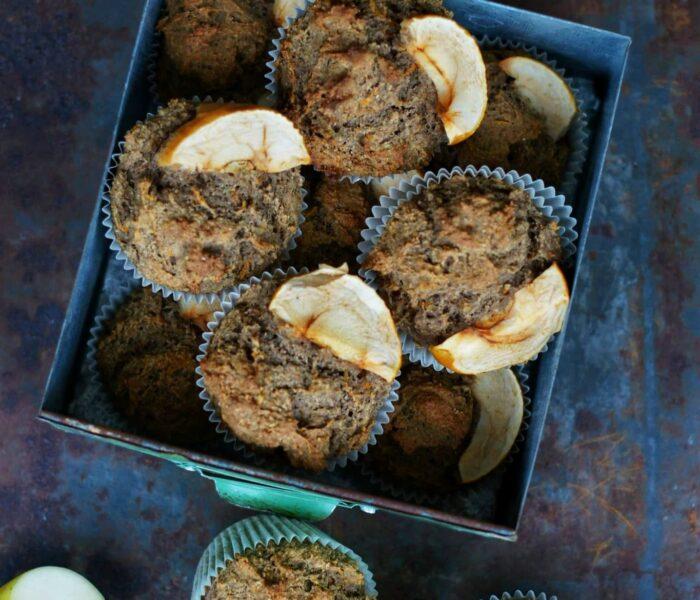 Pełnoziarniste muffinki z tofu i jabłkami