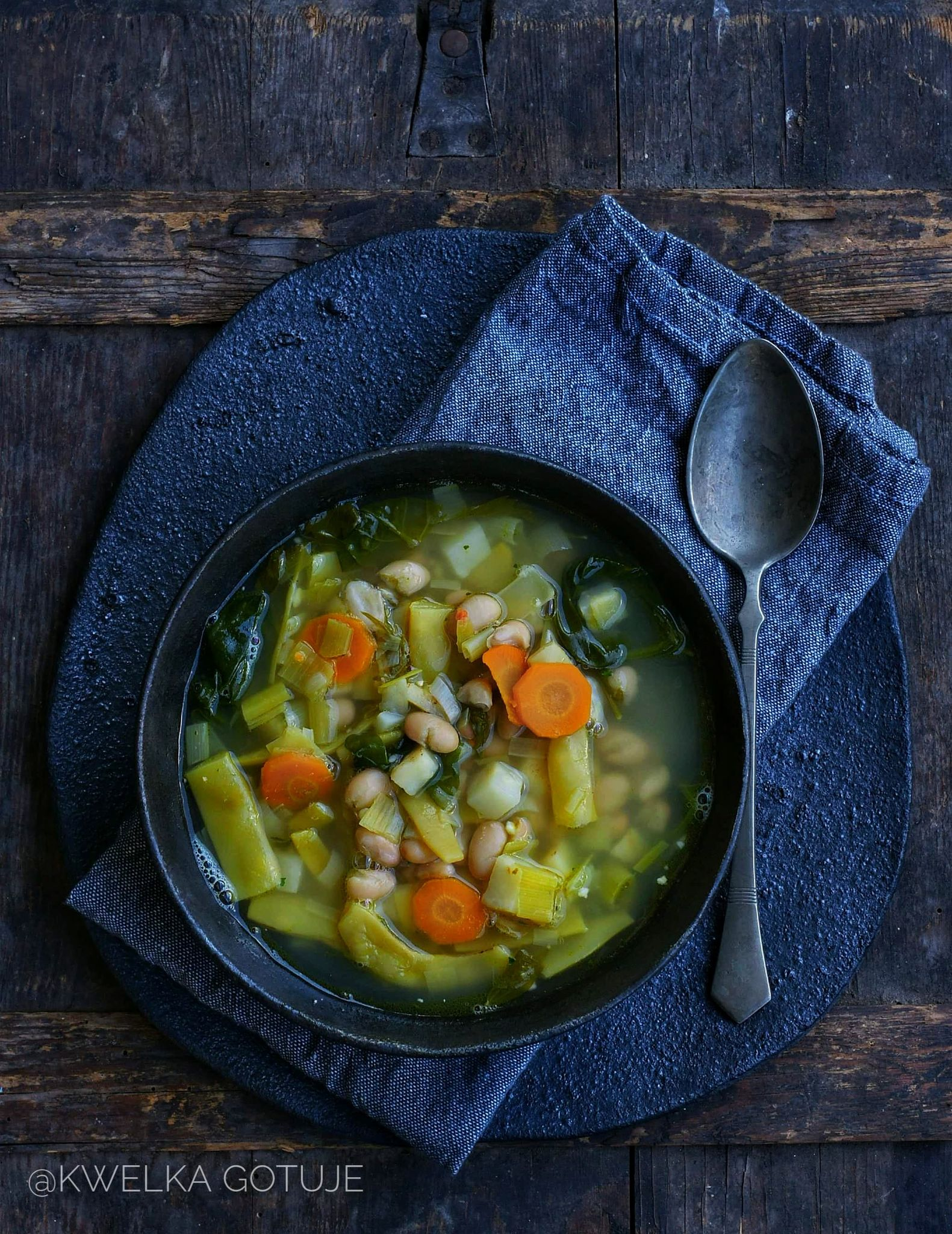 Jesienna zupa fasolowa