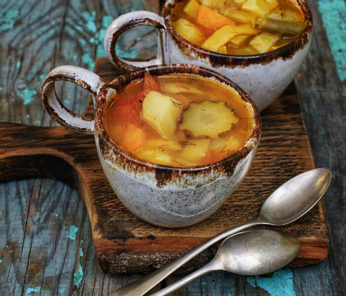 Warzywna zupa z patisonem i fasolką