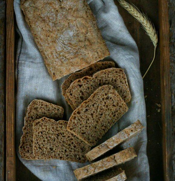 Chleb samopszowy
