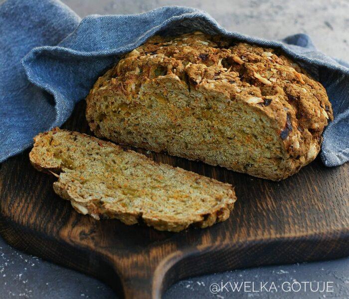 Chleb sodowy z marchewką i serem