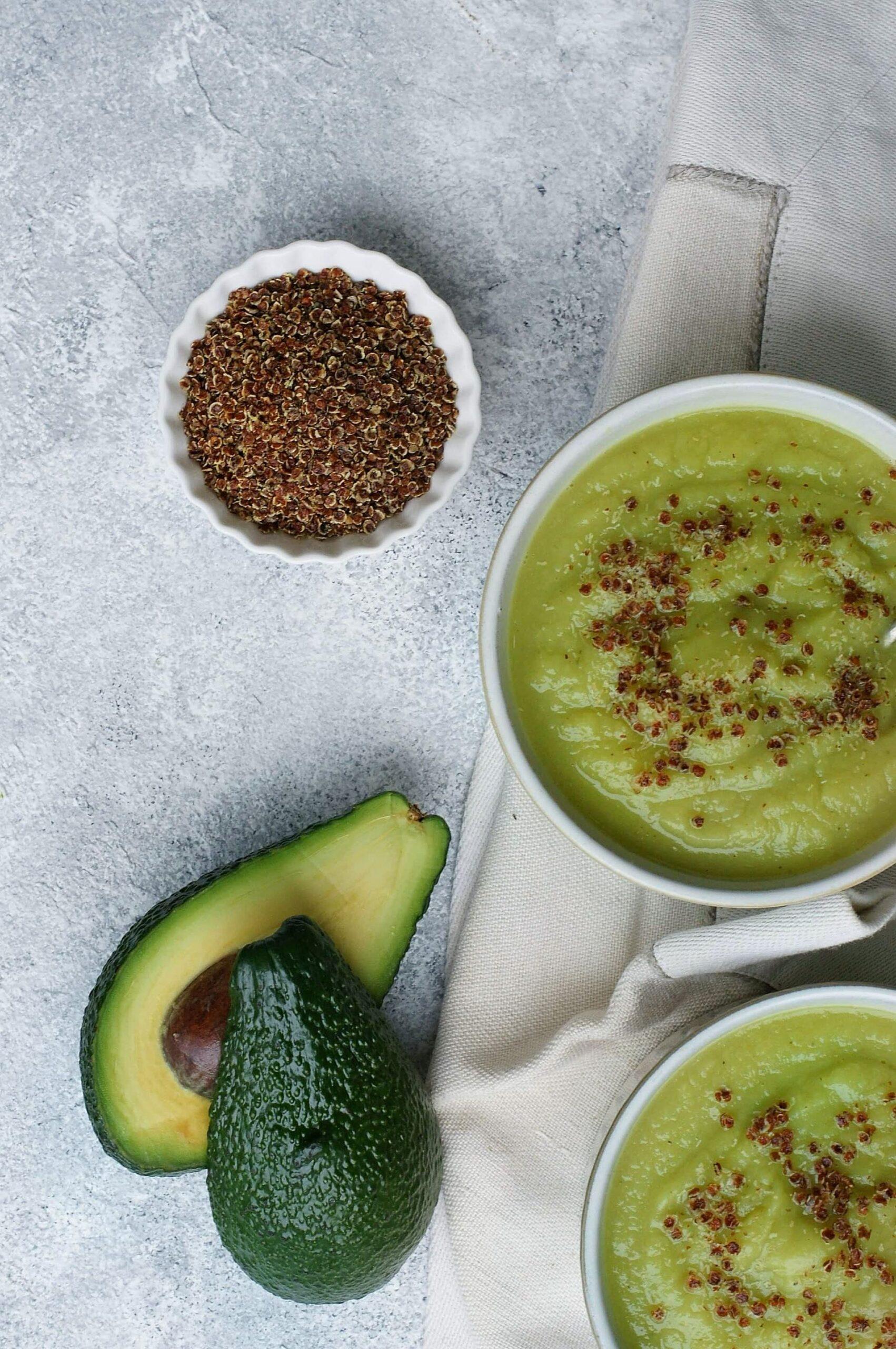 Zupa z awokado i selera