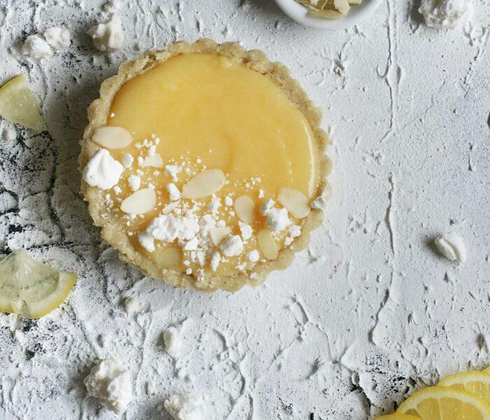 Migdałowa tarta z cytrynowym kremem