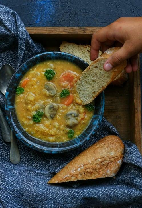 Zupa z soczewicy z grzybami