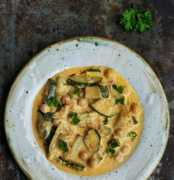 Cukiniowe curry